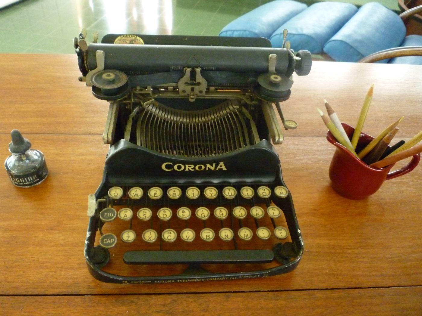 Ernest Hemingways typewriter on his desk in Havana, Cuba.